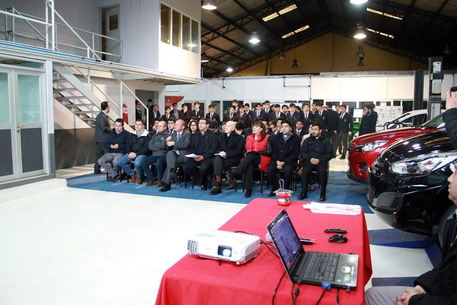 Renovado laboratorio de mecánica automotriz en Concepción