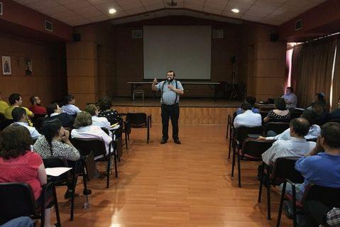 P. Carlo Lira visita Centro educativo Salesianos Alameda
