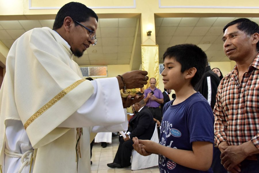 Un último regalo antes de partir: ordenación diaconal de Carlos Marcelo Triguero
