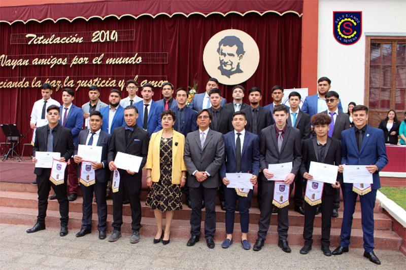 Más de un centenar de estudiantes de La Serena se graduaron de cuarto medio