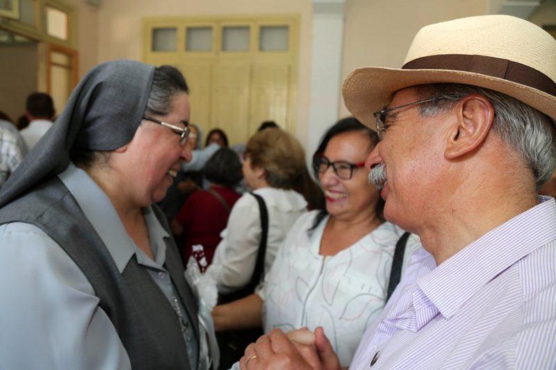 Hijas de María Auxiliadora celebraron fiesta de San Francisco de Sales junto a monseñor Lorenzelli