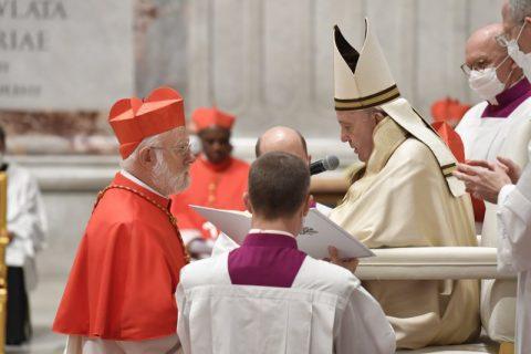 Monseñor Aós ya es cardenal