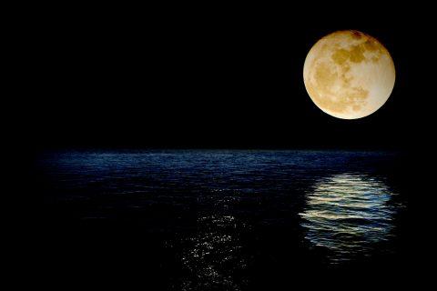 Tres superlunas y un eclipse lunar
