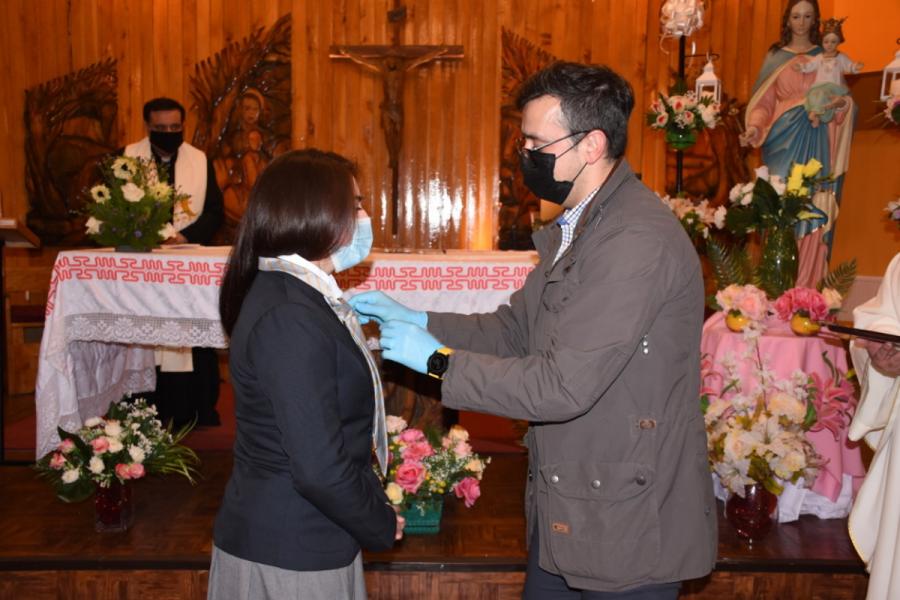 Alumnos de Liceo Monseñor Fagnano celebraron bendición de corbatas