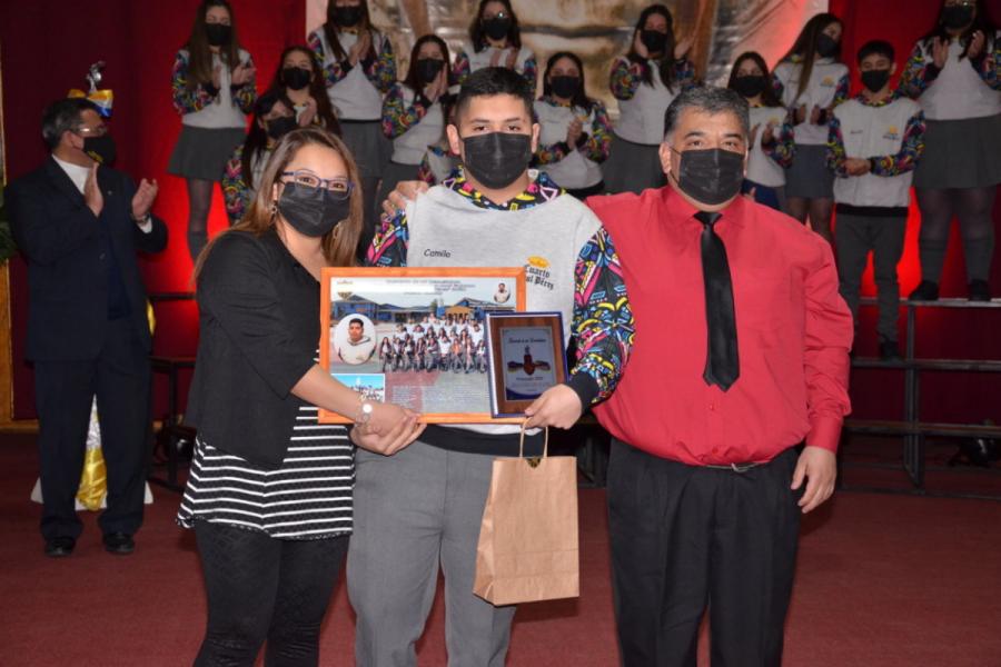 Liceo Monseñor Fagnano de Puerto Natales realiza licenciatura generación 2020