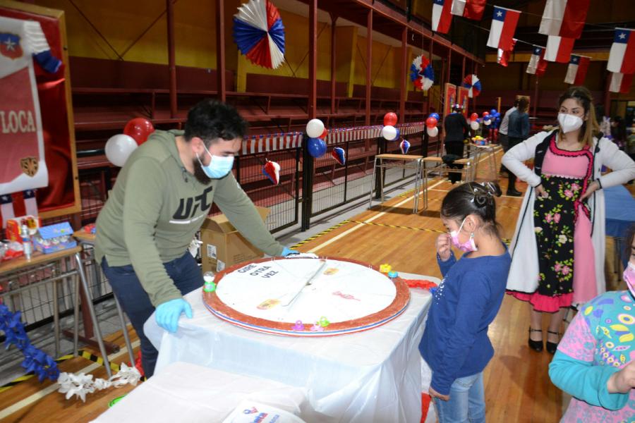 Comunidad del Liceo Monseñor Fagnano de Puerto Natales celebró Fiestas Patrias