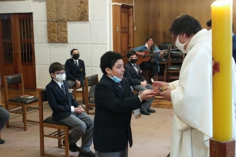 Catequesis Familiar del Instituto Salesiano Valdivia realiza Sacramento Primera Comunión